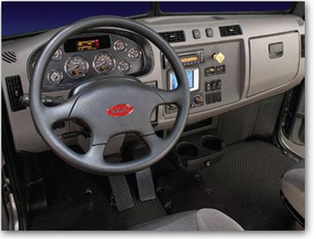 Intérieur du Camion Peterbilt modèle 337