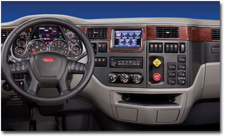 L'intérieur de la cabine du modèle 567 est conçu pour que tout soit à la portée du conducteur