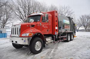 Premier camion benne au gaz naturel pour Montréal